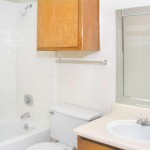 Shiloh Oaks Apartment Bath Room
